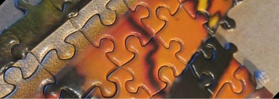 Puzzle pieces zoom